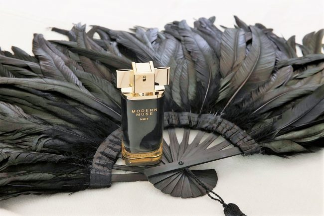 estee-lauder-modern-muse-nuit-fragrance-review-650x434