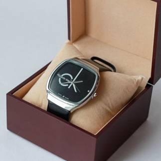 коробочка с часами ck
